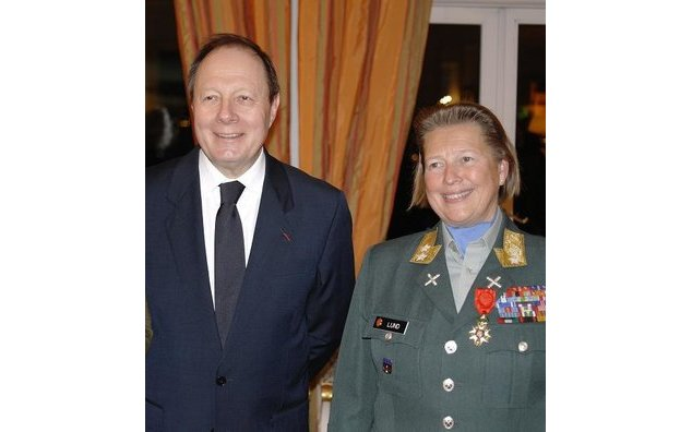 M. Jean-Marc Rives, ambassadeur de France en Norvège et le Major General Kristin Lund